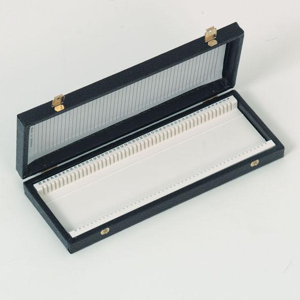 Boîte à préparations pour 50 lames porte-objets