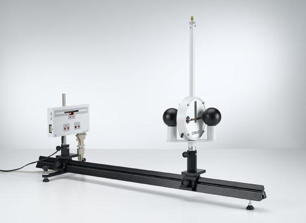 Détermination de la constante de gravitation avec la balance de gravitation de Cavendish - tracé des déviations et exploitations avec un détecteur de position à infrarouge et un ordinateur personnel
