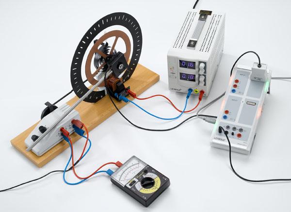 Oscillations de torsion forcées harmoniques et chaotiques - tracé avec CASSY