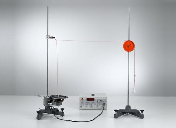 Génération de ondes stationnaires d'une corde et la détermination de la longueur d'onde