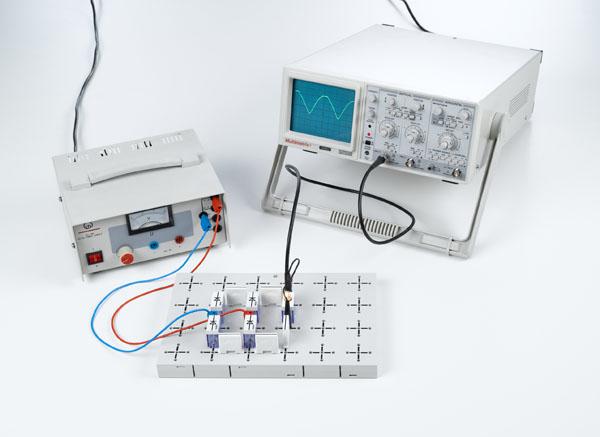 Redressement d'une tension alternative avec des diodes