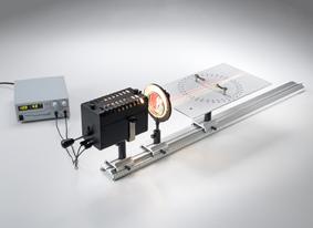 Réfraction de la lumière par des surfaces planes et étude de la marche des rayons à travers des prismes et des lentilles