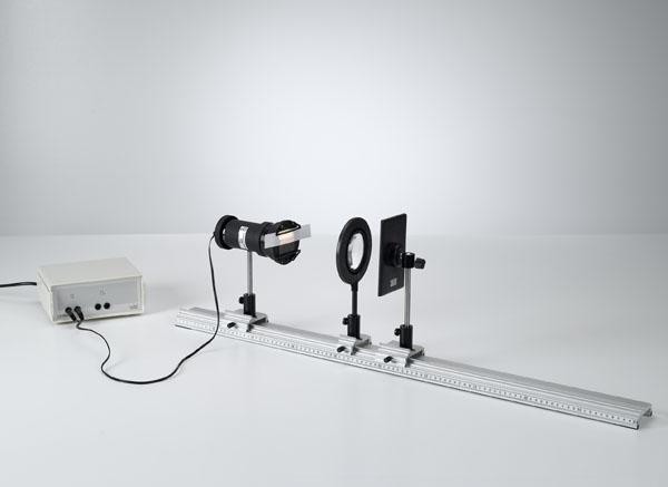 Détermination par autocollimation de la distance focale de lentilles convexes