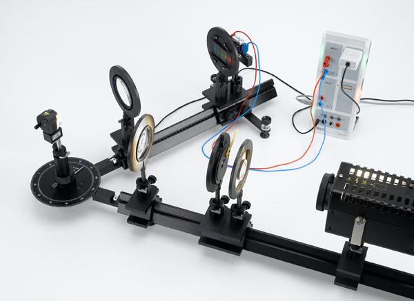 Détermination du spectre d'une lampe xénon à l'aide d'un réseau holographique