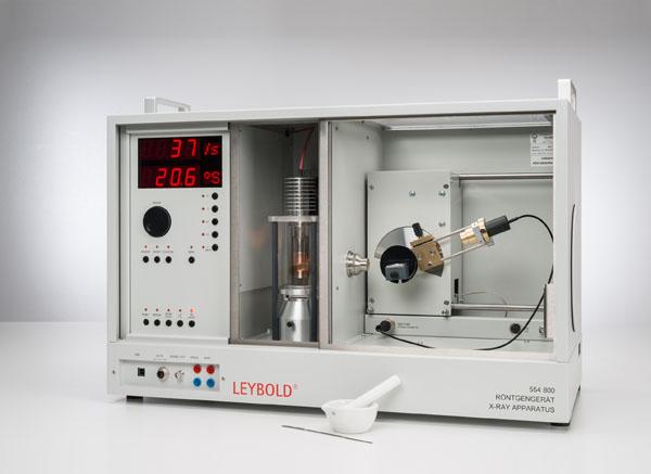 Balayage de Debye-Scherrer : détermination de l'écartement des plans réticulaires d'échantillons de poudre polycristallins