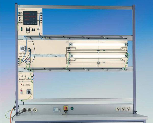 TG 4.130 Installation avec des lampes fluorescentes (système de plaques)