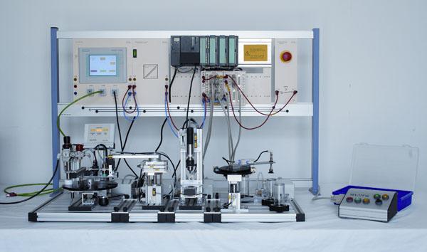 Modèle compact mécatronique pour cinq stations